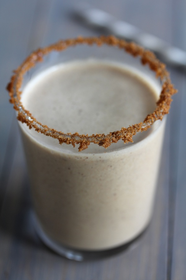 Gingerbread_Milkshake_Recipe8