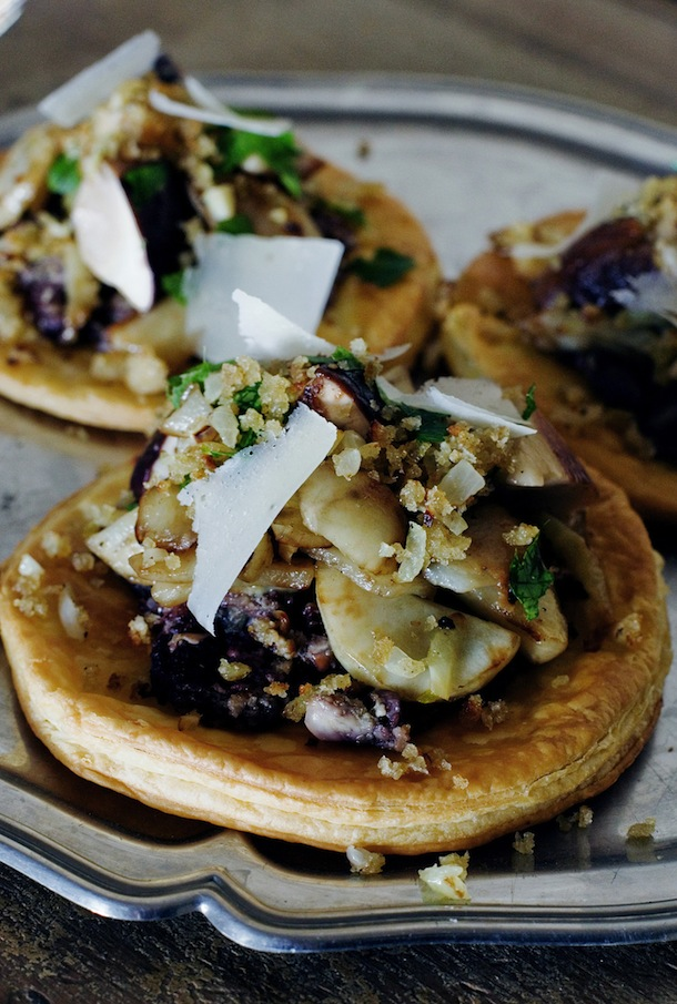 Jerusalem artichokes, fennel and porcini mushroom tartlets | manger with mimi for camille styles