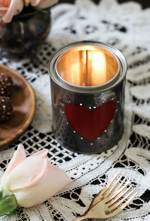 Votives de bricolage Tin Can Valentine | Camille Styles