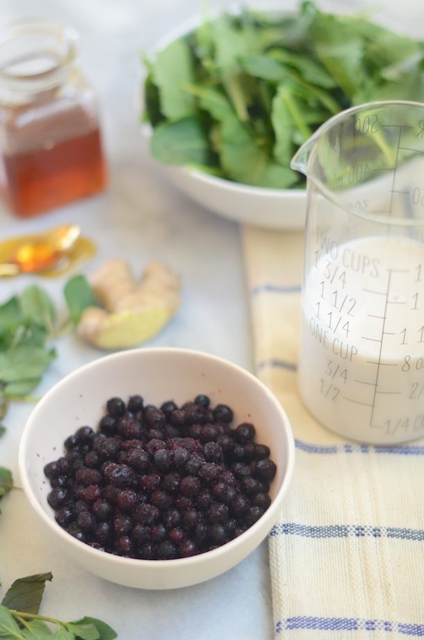 Blueberry, Almond & Ginger Smoothie | Camille Styles