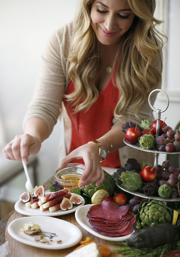 entertaining with    haylie duff