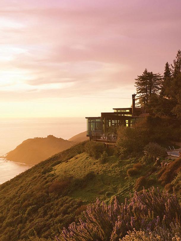 <em> 10 Best :: </em> Unbelievable Hotels