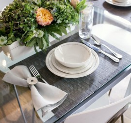 Minimal and modern table setting