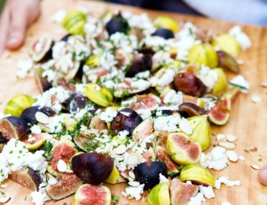 figs on lavash