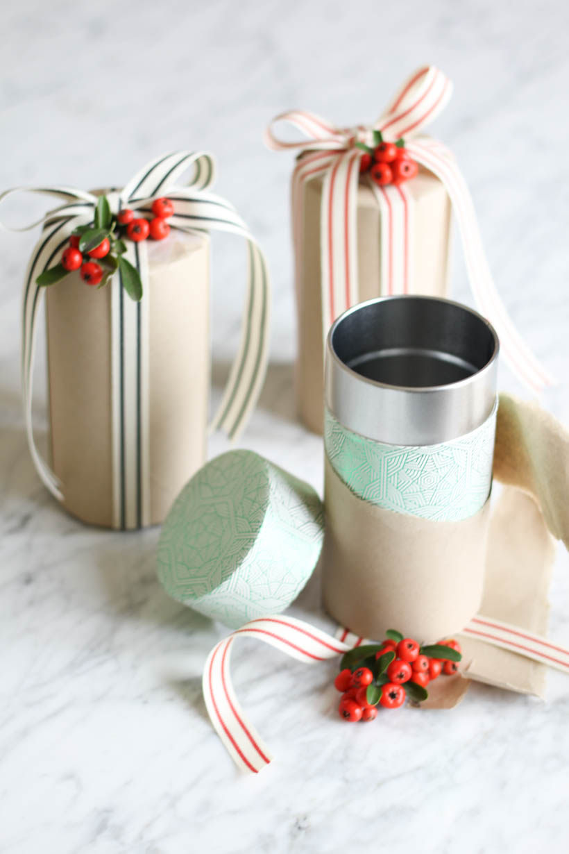 Holiday loose leaf tea tins for an inexpensive, pretty gift idea
