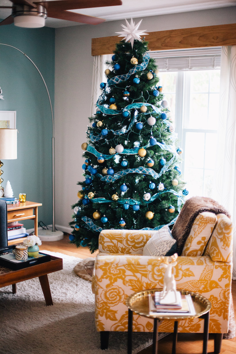 10 Easy Ways to Deck Out Your Home for the Holidays