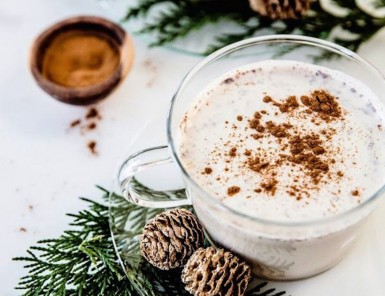 Christmas Eggnog Hot Chocolate