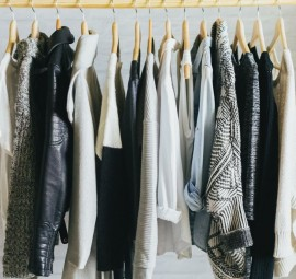 monochromatic wardrobe