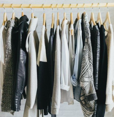 monochromatic wardrobe