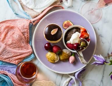 dessert & lingerie