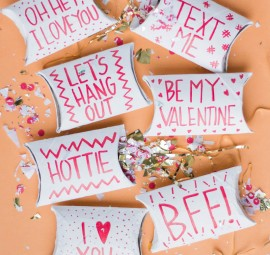 DIY Valentine's Pockets using toilet paper tubes