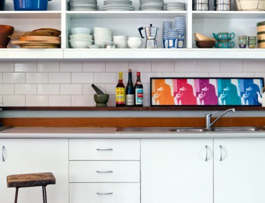 How to Personalize Your Rental Kitchen // white kitchen with subway tile