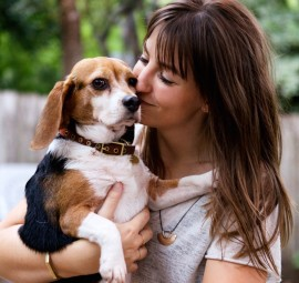 Chelsea Fullerton Jones and her beagle, Alice