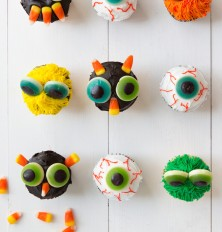 DIY Halloween Monster Cupcakes