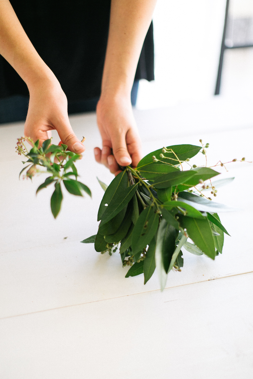how to make a bay laurel garland for fall