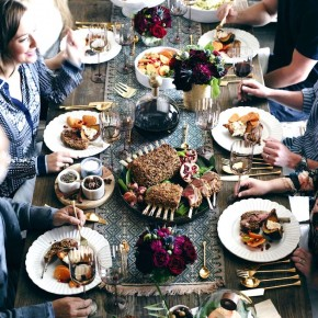 A Thanksgiving Modern Tablescape