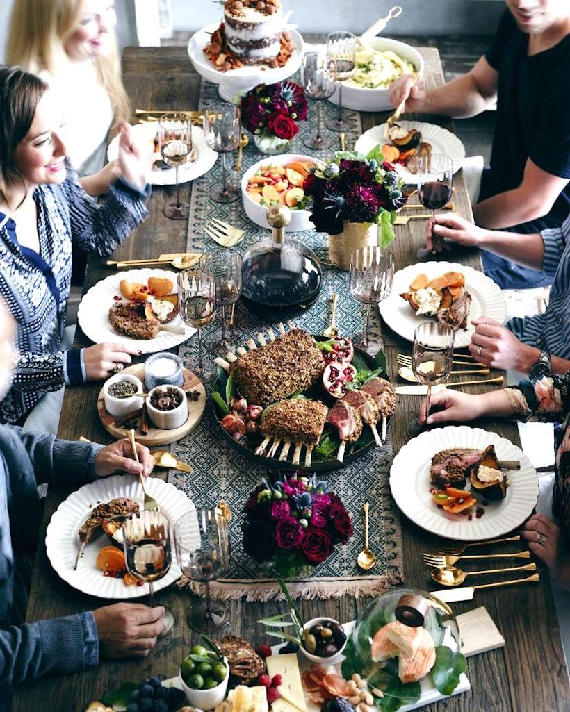 A Thanksgiving Modern Tablescape