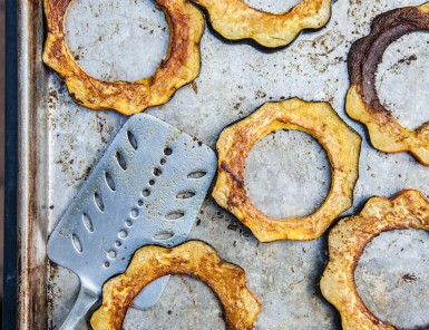 roasted acorn squash with cilantro chutney