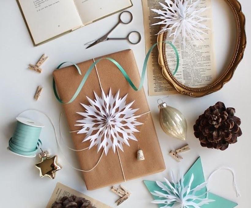 DIY snowflake gift wrap topper