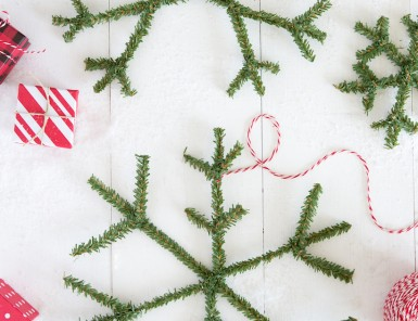 DIY snowflake wreath made with greenery pipe cleaners