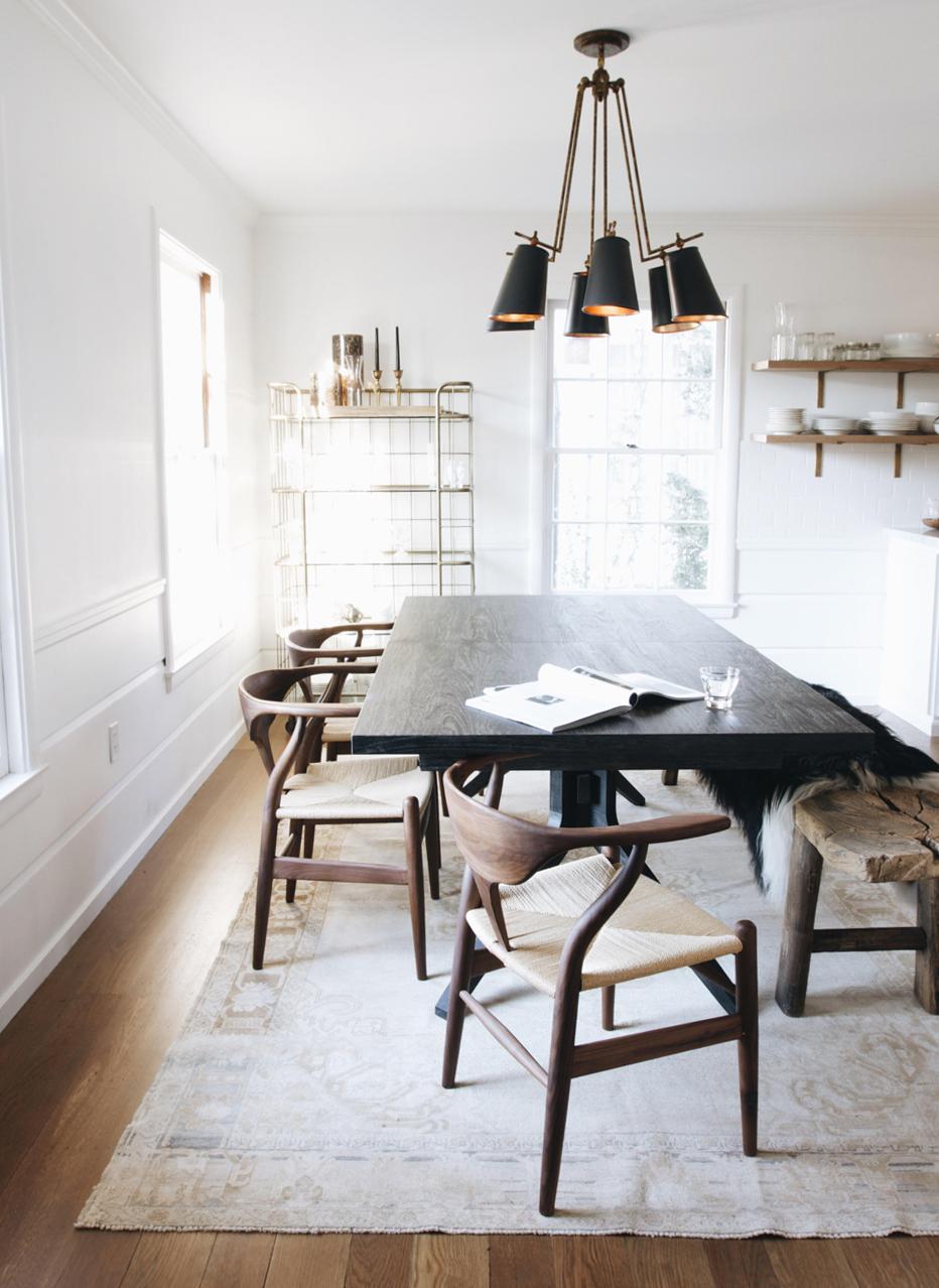 citnb-abc-home-vintage-turkish-rug-uncluttered-home