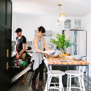 Couple and kitchen goals all wrapped into one.