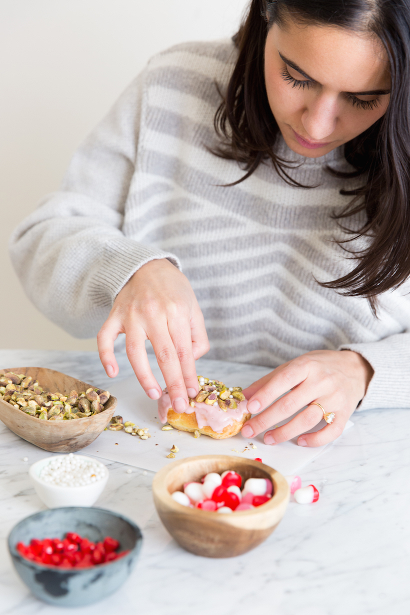 decorating eclairs! such a fun idea for valentine's day.
