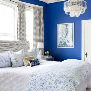 One of the most gorgeous bedroom set ups ever. We LOVE that blue