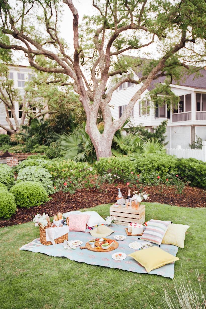 A gorgeous summer picnic with Calder Clark Studios