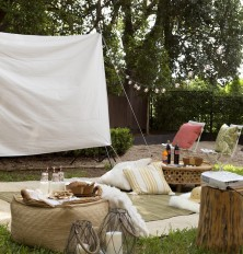Cute backyard movie setup