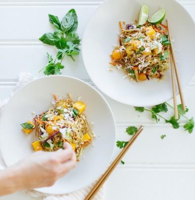 easy weeknight dinner! // soba noodle salad with coconut & mango // vegan + gluten-free