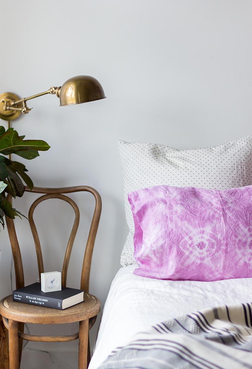 naturally dyed shibori pillowcases diy