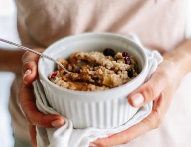 apple-cinnamon steel-cut oatmeal with dried cherries & walnuts
