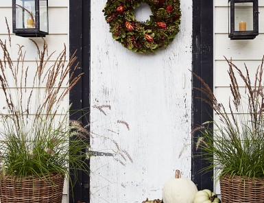 An earthy & autumnal front door