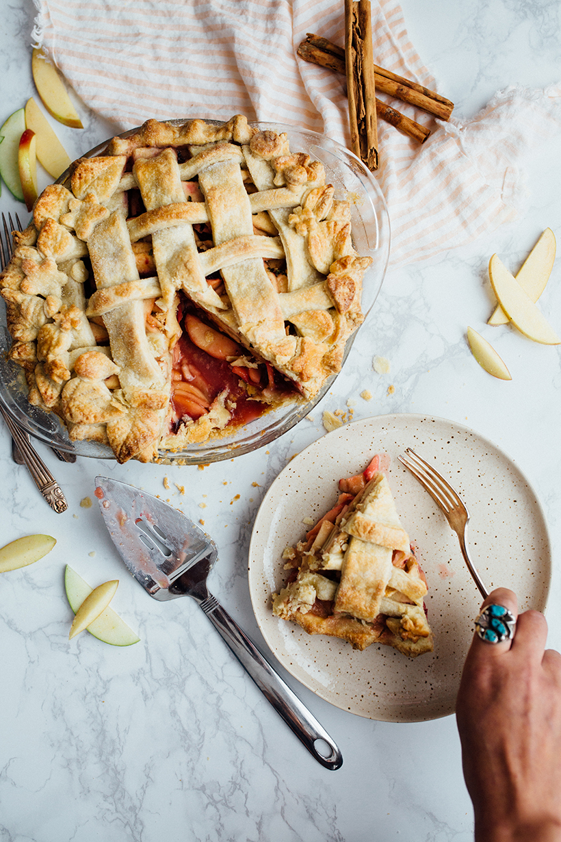 How to Decorate the Prettiest Pie Crust Ever