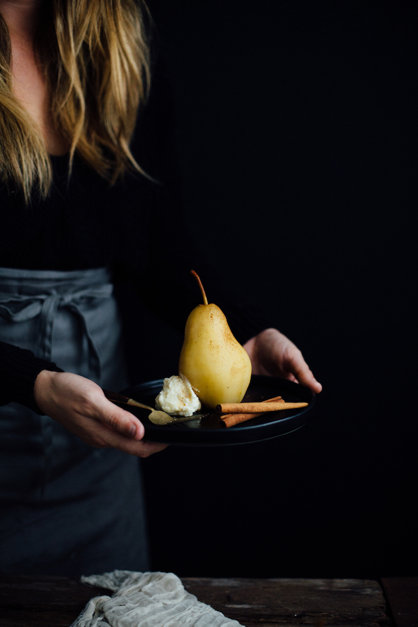 chai spiced poached pears