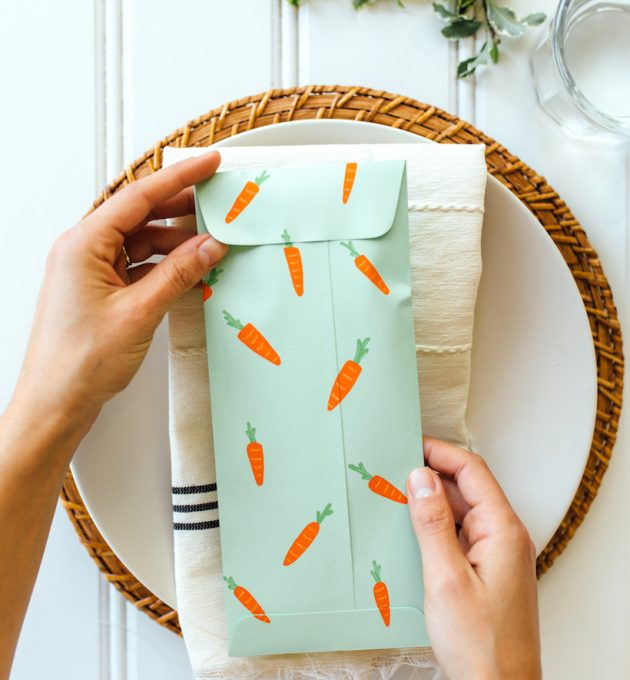 easy diy utensil pouch for your easter table