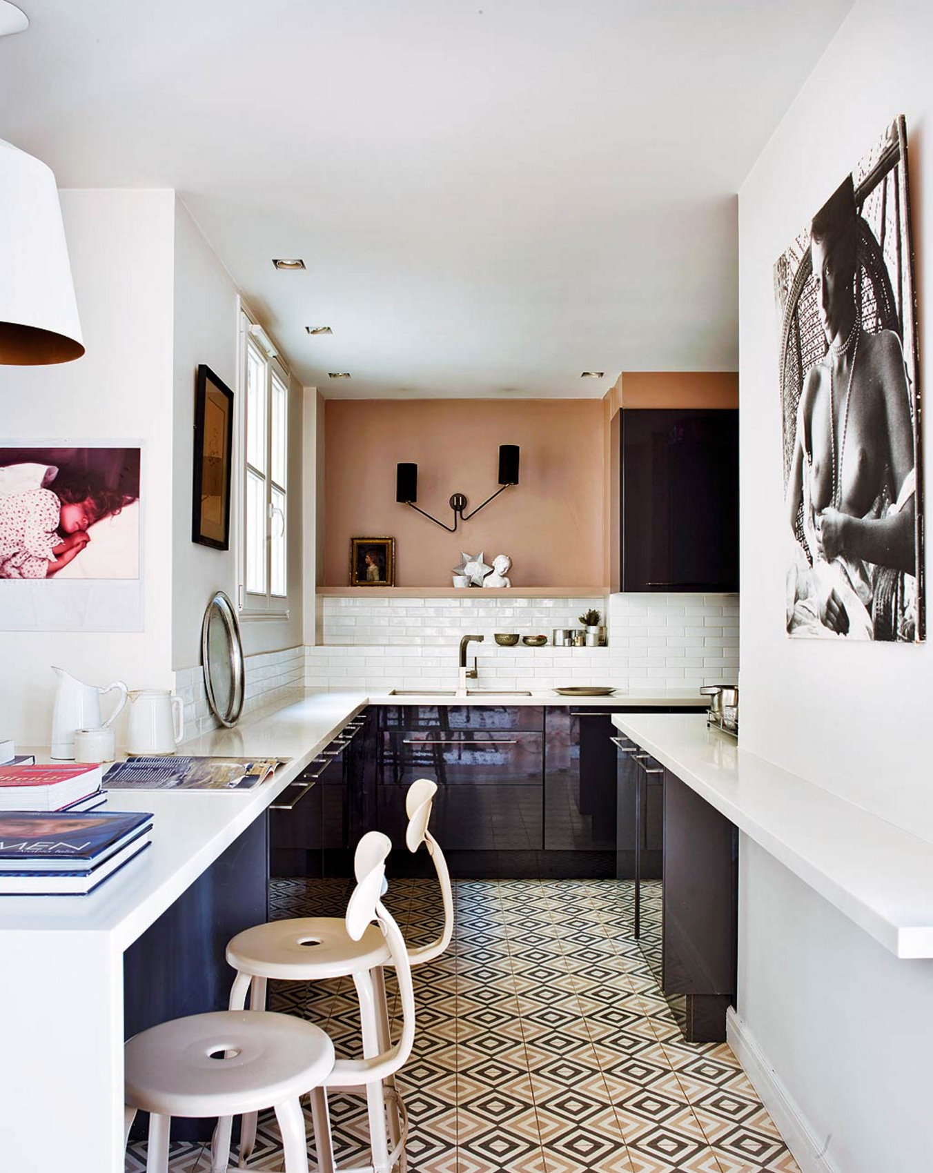 5 ideas to steal from this parisian kitchen camille for Cuisine 12m2