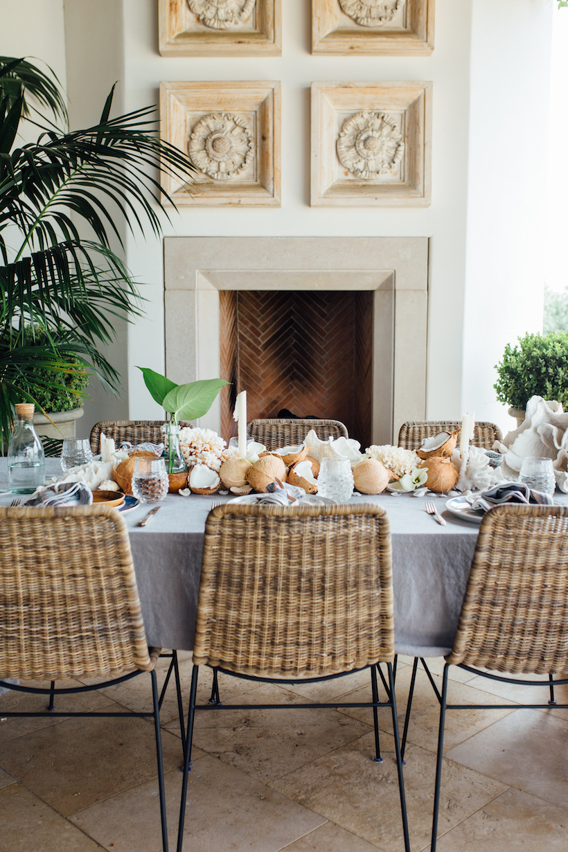 the prettiest summer dinner table