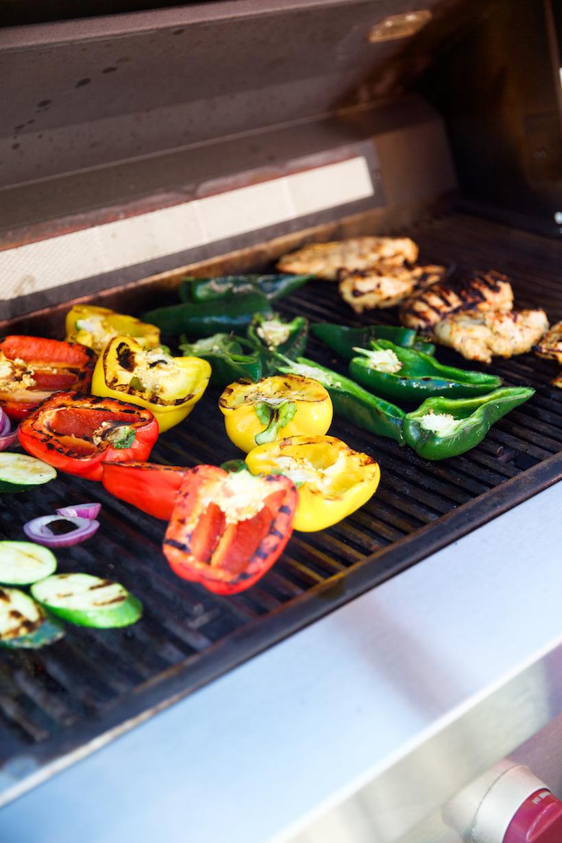 these grilled chicken & veggie fajitas are the ultimate bbq recipe