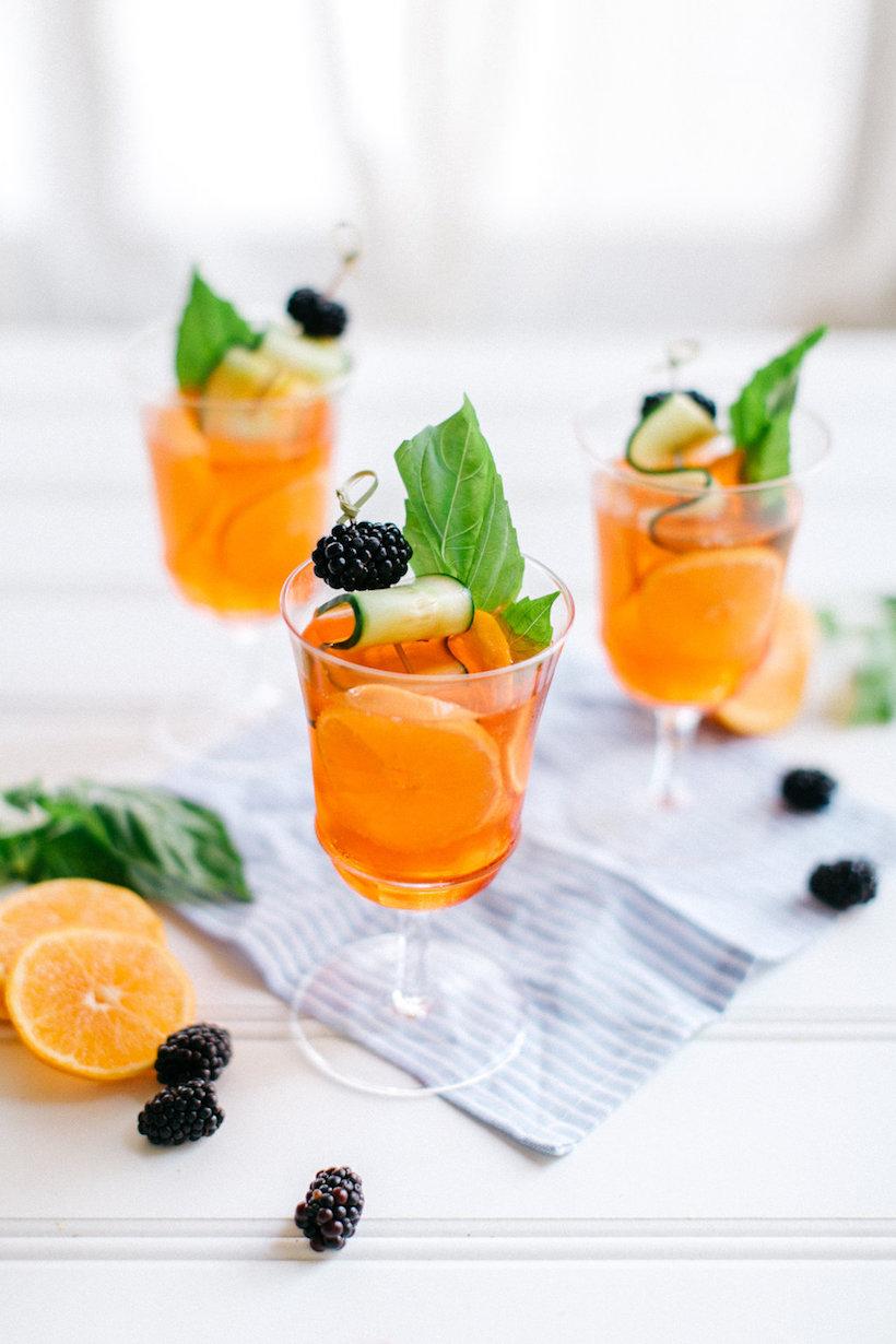 aperol spritz, an italian summer cocktail