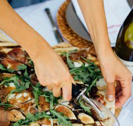 grilled pizza with fig, prosciutto, mozzarella, and arugula