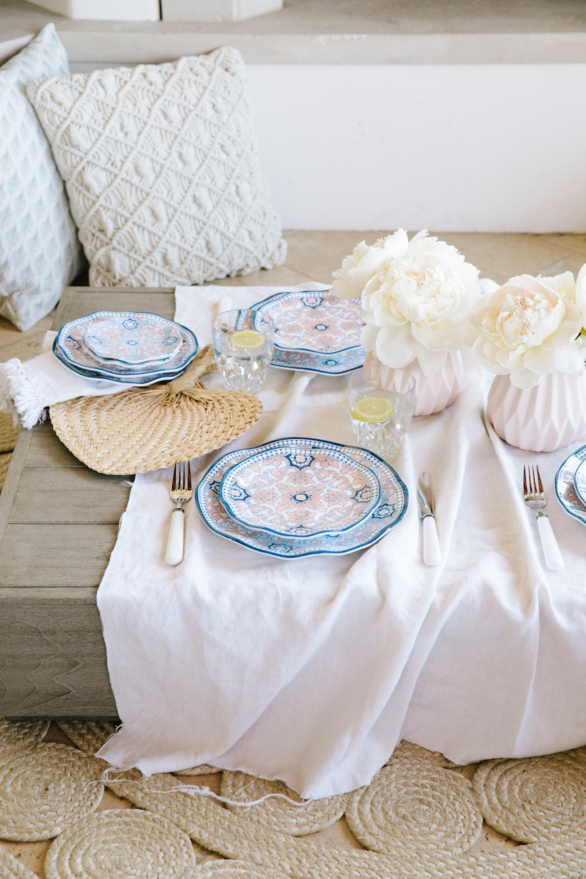 casual summer table