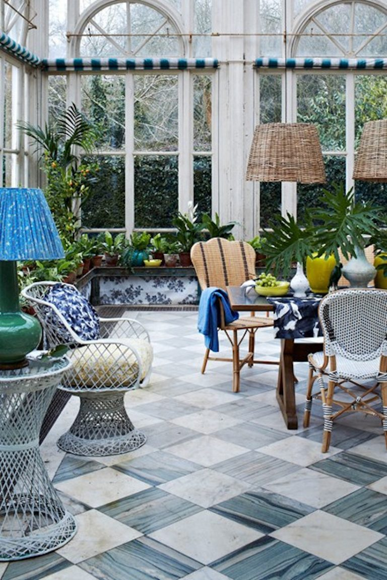 17 Light Filled Sunrooms That Bring The Outdoors Inside
