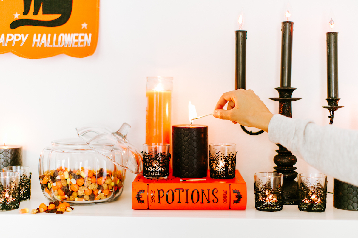 halloween decorations mantle candles