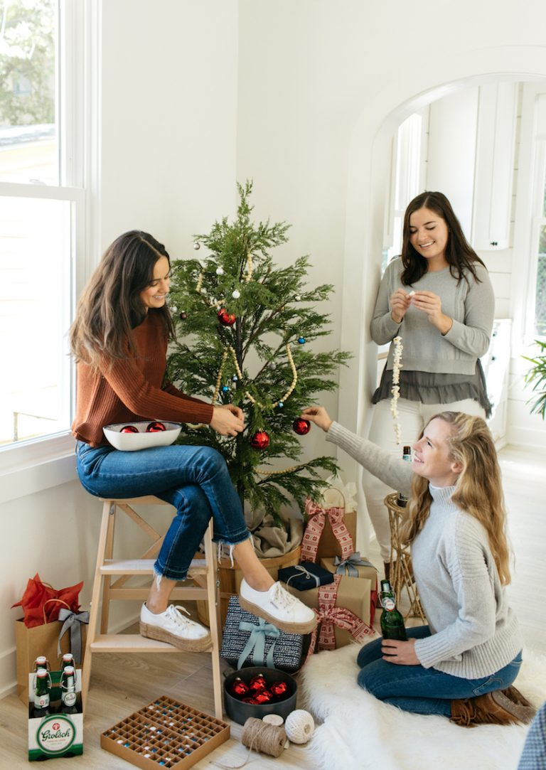 How To Host The Ultimate Tree Trimming Party