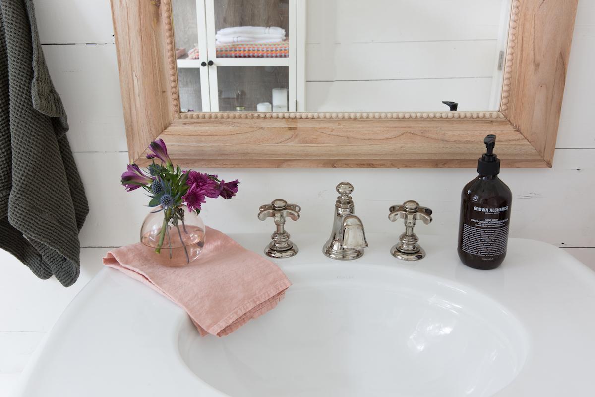 modern feminine bathroom design