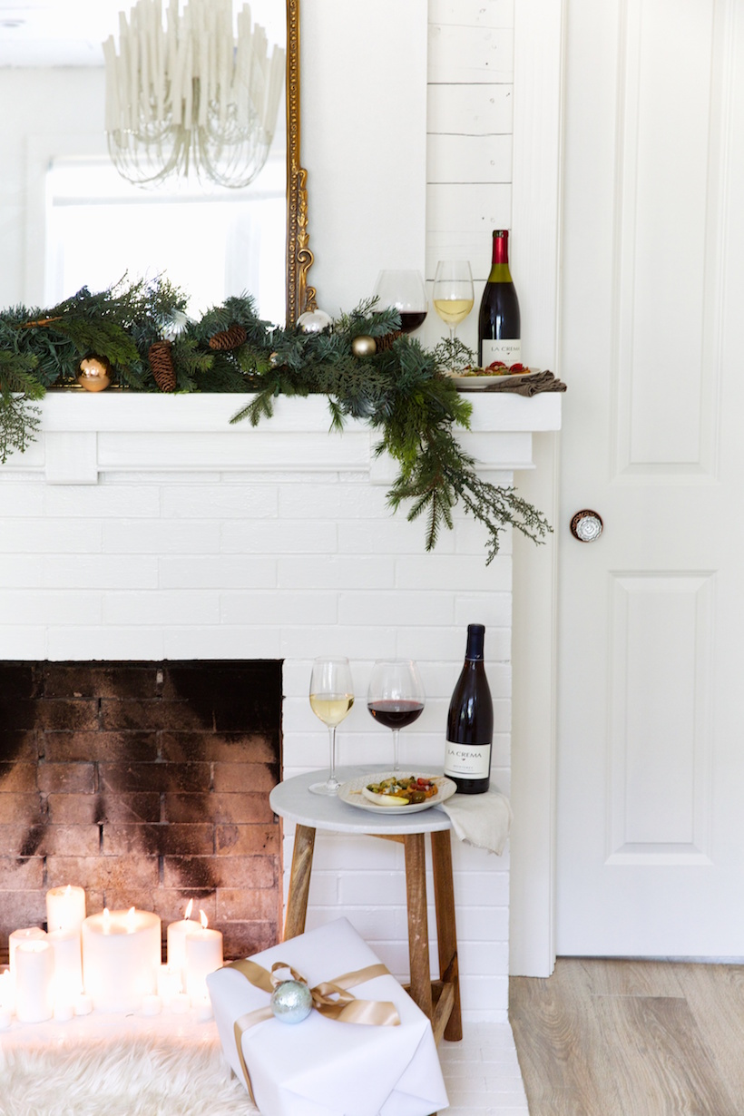 prettiest holiday fireplace