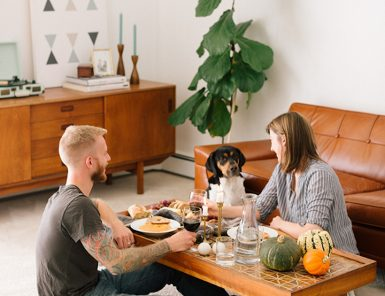 how to host thanksgiving for two