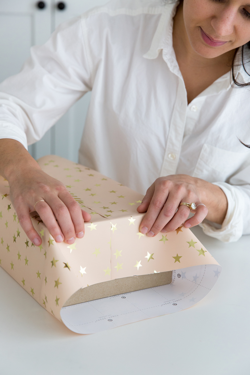 how to perfectly wrap a present